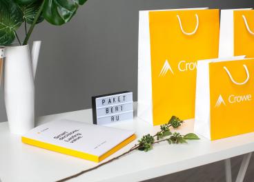 Бумажные пакеты с логотипом Crowe