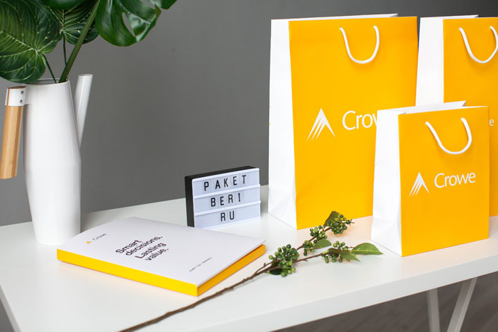 Бумажные пакеты для компании Crowe